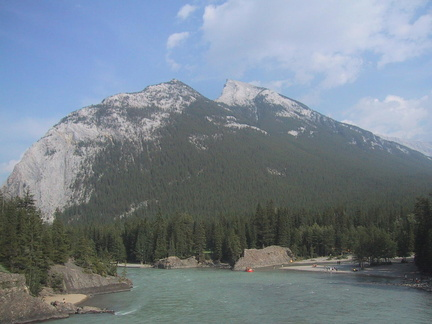 A banff, Bow river